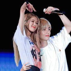 Nct Group, Bts Girl, Korean Fashion Kpop, Kpop Couples, Jungkook V, Blackpink And Bts, Ulzzang Couple, Park Chaeyoung, Jennie Blackpink