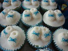 Cupcakes para chá de bebê by thaiseleite, via Flickr