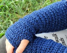 Lacy Victorian Inspired Fingerless Gloves by TangledYarnCreation
