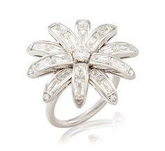 A DIAMOND FLOWER RING, BY WILLIAM GOLDBERG
