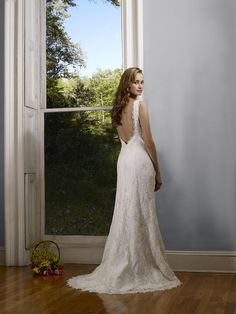 Julia Robert Bullock V Neck Wedding Dress Perfect Gowns