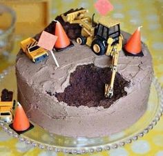 This made me laugh! Construction Cake: A. I could make this cake without screwing it up. Actually, I have made that cake before (without the tractors) and just thought it was a screw up, B. Noah would LOVE me. Bolo Original, Construction Party, Construction Worker, Cakes For Boys, Boy Cakes, Cute Cakes, Creative Cakes, Let Them Eat Cake, Amazing Cakes