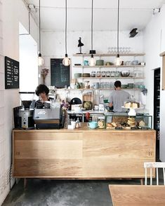 Coffee Bar Ideas - Looking for some coffee bar ideas? Here you'll find home coffee bar, DIY coffee bar, and kitchen coffee station. Coffee Shop Counter, Cafe Counter, Coffee Shop Bar, Coffee Bars, Coffee Shops, Roasters Coffee, Cute Coffee Shop, Coffee Maker, Coffee Lovers