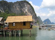 My blog from Ostuna: Houses on water in Thailand