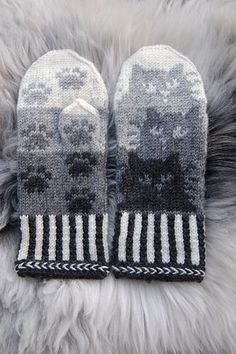 Knitting Patterns Gloves Colored with trees or leaves Crochet Mittens, Mittens Pattern, Knit Or Crochet, Knitted Hats, Crochet Hats, Knitting Charts, Knitting Socks, Free Knitting, Knitting Patterns