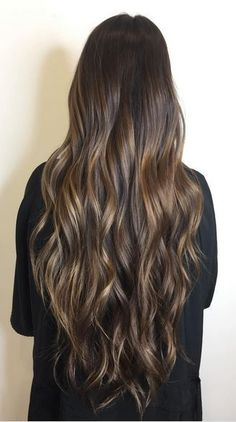 Hair Color Ideas 2018 : sunkissed rapunzel brunette hair color Discovred by : Mane Interest Sunkissed Hair Brunette, Brunette Color, Ombre Hair Color, Hair Color Balayage, Brunette Hair, Haircuts For Thin Fine Hair, Curly Hair Cuts, Layered Haircuts, Thin Hair