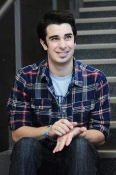 Joey Richter...going to be on Glee January 24th. Best of both worlds!