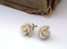 Little Off White  Rose Posts by roomofyourown on Etsy, $10.00