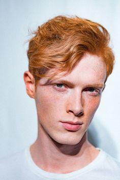 Nakna redhead flickor sorry