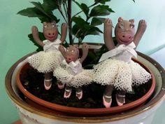Las bailarinas hipopótamas por Inés Moreno