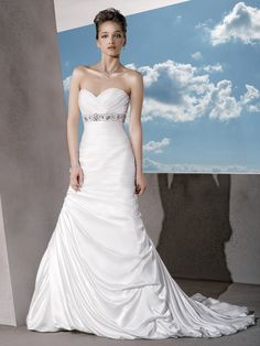 The romantic and dignity stapless sweetheart neck white satin floor-length chapel train sheath wedding dress with the ruffles bodice and the charming beading sash