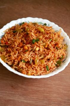 schezwan fried rice is a popular Indo-chinese dish which can be made easily at home and can be served for lunch or dinner. It needs schezwan sauce (Rice Recipes) Best Pasta Recipes, Veg Recipes, Clean Recipes, Indian Food Recipes, Vegetarian Recipes, Cooking Recipes, Cooking Ideas, Shrimp Recipes, Healthy Recipes