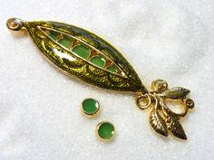 Pea Pod Vintage Brooch Set! Only $20! thenchantedforest.ca Pea Pods, Vintage Brooches, Enchanted, Shop, Gifts, Jewelry, Presents, Jewlery, Bijoux