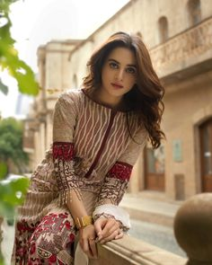Image may contain: 1 person, standing and outdoor Pakistani Formal Dresses, Pakistani Party Wear, Pakistani Fashion Casual, Pakistani Dress Design, Indian Fashion, Women's Fashion, Casual Dresses, Fashion Dresses, Simple Dresses