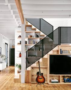 The Wall House is a modern farmhouse with energy-efficient design and low-maintenance concept. Designed for single man, the Wall House is . Houses In Austin, Austin Homes, Austin Texas, Modern Farmhouse Exterior, Modern Farmhouse Style, Texas Farmhouse, Farmhouse Interior, Interior Architecture, Interior Design