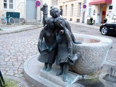 'The Twaddling Wives' in Stralsund, Germany Saxony Anhalt, Rhineland Palatinate, Lower Saxony, North Rhine Westphalia, World Heritage Sites, Sculpture Art, Statues, Fountain, Germany