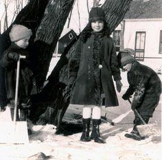 vintage photo Girl and Boys shovel the snow от maclancy на Etsy