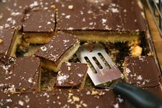Selfish Bars - Chocolate Caramel Sugar Cookie Bars from foodiewithfamily.com