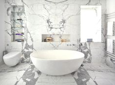 Breaking the spatial rules, a revolutionary design.This bathroom!!!!