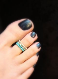 Stacking Toe Ring Turquoise Silver Stretch Bead Toe Ring by FancyFeetBoutique, $5.25