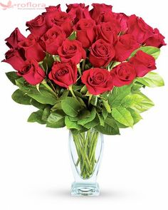 Twelve lush red roses are contrasted with deep green salal inside a clear glass vase. Send Roses, Send Flowers, Fresh Flowers, Amazing Flowers, Beautiful Roses, Flowers For Valentines Day, Dozen Red Roses, Montreal Botanical Garden, Rose Garden Design