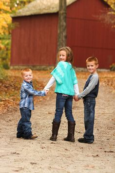 Southeastern Wisconsin Photographer - Bretari Photography - Family Pose