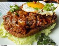 Cheesesteak, Hamburger, Beef, Cooking, Ethnic Recipes, Food, Sandwich Spread, Meat, Kitchen