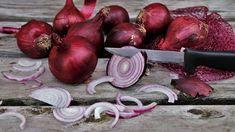 Lilahagyma vitamin – tartalma rendkívül magas és számos jótékony hatású ásványi anyag található benne, mely elsősorban nyersen fejti ki hatását Make Hair Grow Faster, How To Make Hair, Grow Hair, Types Of Onions, Planting Onions, Small Intestine Bacterial Overgrowth, Mega Sena, Survival Life, Healthy Fruits