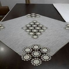 This Pin was discovered by Neş Filet Crochet, Crochet Motif, Crochet Designs, Crochet Doilies, Crochet Home, Cute Crochet, Easy Crochet, Doily Patterns, Vintage Patterns