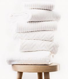 The 9 Best White Towel Sets via @domainehome sets of Mix and Match White Towels #MBFWWishlist #MBFW