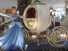 Disney's Cinderella In Her Carriage | Jusco Bukit Tinggi Shopping Centre, Klang | Yowazzup: A Directory of ...