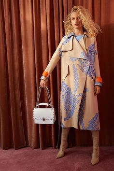 See the complete Resort 2018 collection from Fendi.