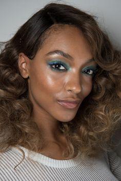 jourdan dunn | makeup inspiration | green eyeshadow | green smokey eye | black model