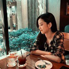 Black Pink Kpop, Blackpink Jisoo, Yg Entertainment, Man, Asian Girl, Couple Photos, Ji Soo, Aesthetics, Random