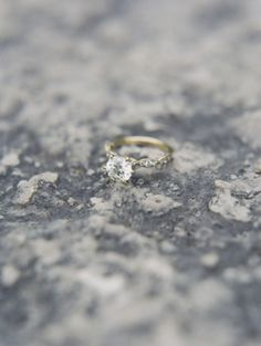Beautiful gold and diamond engagement ring: http://www.stylemepretty.com/2014/09/30/bohemian-chic-chicago-wedding/ | Photography: Lauren Balingit - http://laurenalbanese.com/
