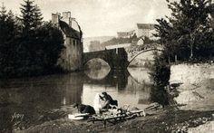 MENDE en Lozère-les lavandières au Pont Notre Dame