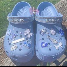 Crocs Slippers, Crocs Shoes, Fuzzy Crocs, Converse Shoes, Swag Shoes, Bling Shoes, Kd Shoes, Crocs Fashion, Sneakers Fashion