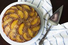 Peach Upside Down Coffee Cake – 12 Tomatoes Cake Recipes, Dessert Recipes, Desserts, Apple Recipes, Peach Upside Down Cake, Vegetarian Cake, Cupcake Cakes, Cupcakes, Gorgeous Cakes