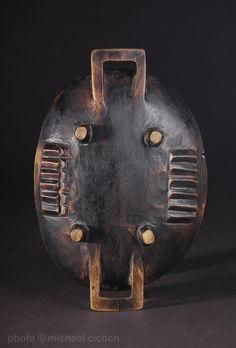 A fine Zulu wooden meat tray