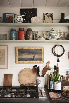 Kitchen Interior Design Kitchen Detail - Katie Fontana Houseboat - Plain English Kitchens founder Katie Fontana's houseboat where a love of Pure craftsmanship Eclectic Kitchen, Home Decor Kitchen, Interior Design Kitchen, Kitchen Ideas, Parisian Kitchen, French Kitchen Decor, Small Space Interior Design, Kitchen Industrial, Vintage Interior Design