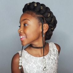 The Holidays are coming! The next two weeks will be all about giving you guys lots of Holiday hairstyle inspiration! I absolutely love this super cute, quick and easy Halo-Braid!!! Shanillia and I couldn't decide between the accessories though which one is your favourite? The pearls or the gold beads?! - ------------------------------ #naturalhairdoescare #naturalhairjourney #blackhair #protectivestyles #blackboldandnatural #healthyhairjourney #myhaircrush #naturalchixs #blackha...