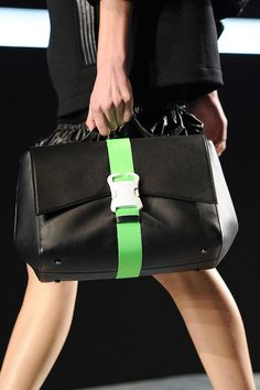 Christopher Kane Fall 2014 Ready-to-Wear Collection bags