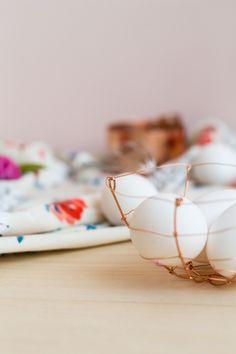 DIY Copper Wire Easter Egg Baskets | @fallfordiy