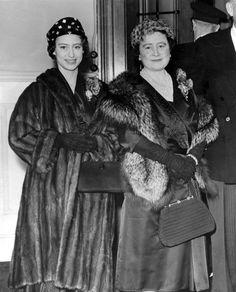 queensofias: Princess Margaret and the Queen Mother, Queen Ii, Royal Queen, Young Queen Elizabeth, Queen Victoria Prince Albert, Queen Margrethe Ii, Queen Mother, Princess Diana, Celebrities, Lady