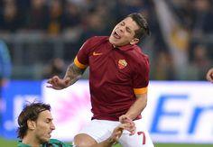 Hasil Liga Italia - AS Roma 2-2 Sassuolo 7 Desember 2014 - AS Roma gagal memaksimalkan hasil imbang yang dicatat Juve, usai mereka juga tak mampu mengamankan tiga poin penuh saat menjamu Sassuolo d...