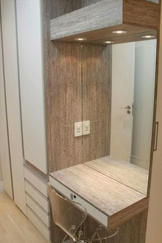 Guarda-Roupa Planejado: Veja Tudo Sobre e 80 Modelos Wardrobe Door Designs, Wardrobe Design Bedroom, Bedroom Bed Design, Home Room Design, Closet Bedroom, Interior Design Living Room, Bedroom Decor, Wardrobe With Dressing Table, Dressing Table Design