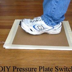 Use a DIY Pressure Plate Switch to Automate Your Haunted House