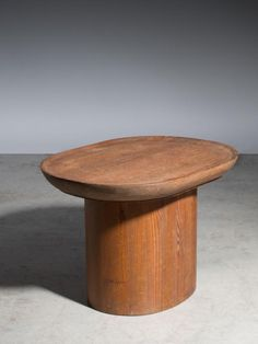 Buy online, view images and see past prices for Axel Einar HJORT 1888-1959 Table basse