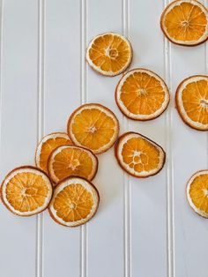 Dried Orange Slices for Christmas Decorations & More - Back Road Bloom Handmade Christmas Presents, Christmas Wreaths To Make, Homemade Christmas, Christmas Decorations, Dried Orange Slices, Dried Oranges, Natural Christmas, Beautiful Christmas, Diy Name Tags