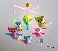 "Baby Mobile - ""Little Princess Owls"" Nursery Mobile - Felt Hanging Crib Mobile - Bright color Owls "" (Match your bedding) Baby Mobile Felt, Baby Crib Mobile, Baby Crafts, Felt Crafts, Owl Mobile, Cute Sewing Projects, Owl Nursery, Felt Birds, Baby Owls"